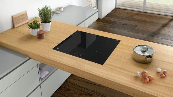 Главное, чем отличается индукционная плита от аналогичной керамической плиты – принцип нагрева.