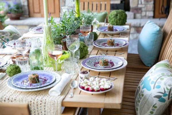 Мотивы прованса могут прослеживаться в дизайне кухонных приборов.