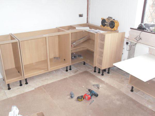 Технология изготовления шкафов и тумб не так проста, как может показаться сначала.