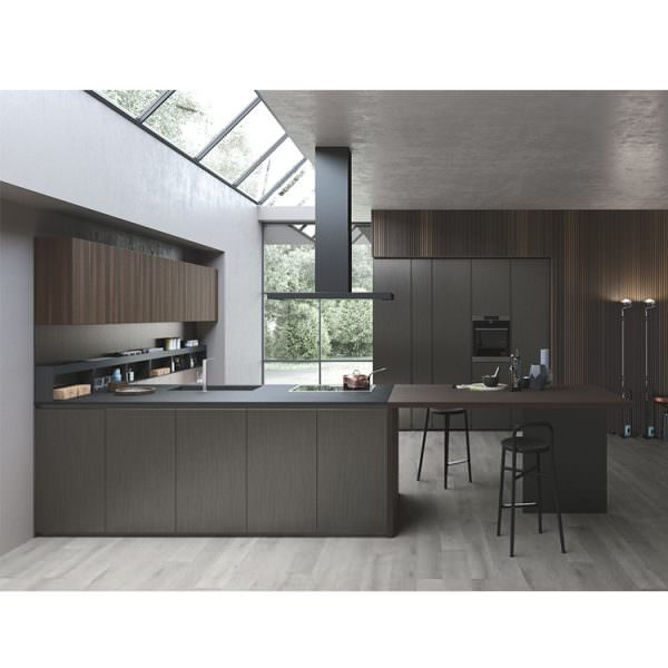 Говоря о дизайне мебели, то сегодня на пике популярности находится «древесный уголь».