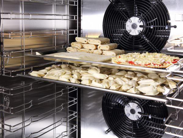 Суперохлаждение – напоминает предыдущий режим, но в этом случае еда охлаждается, а не замораживается.
