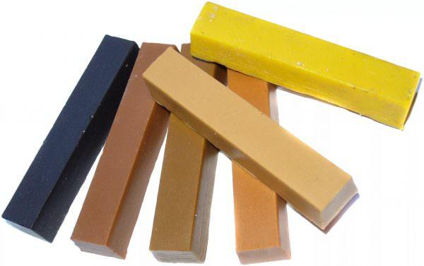 Твердый мебельный воск Предназначен для заделывания сколов, царапин, вмятин.