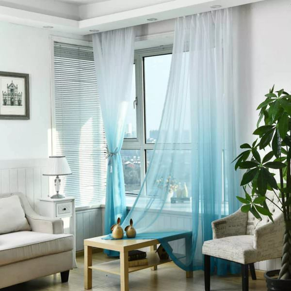 Чтобы все шторы в доме гармонично вливались в интерьер, важно учесть в их оформлении не только цветовую гамму окружающей обстановки, но и размеры окон.